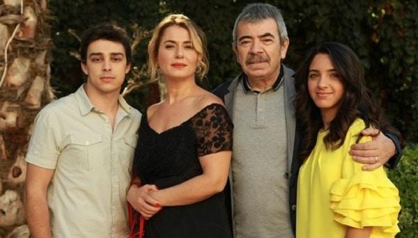 Ingeri-si-nobili-la-Acasa-TV